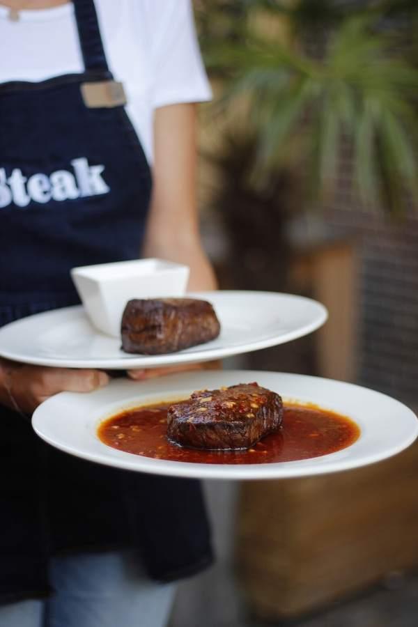 Steak serveren Steak Alkmaar